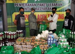 Masyarakat di Tujuh Kabupaten Terima Paket Lebaran dari HRD